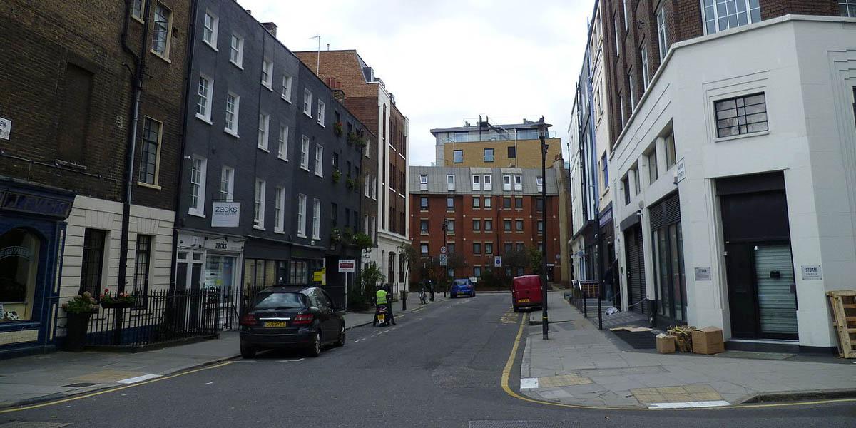Warren Street fue durante los años de posguerra el centro de la compra-venta de coches usados en Londres