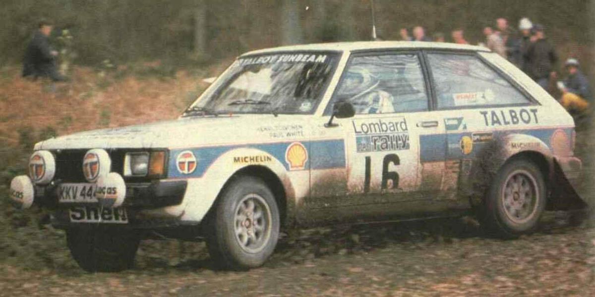 El Sunbeam Lotus de Toivonen.White en un tramo forestal del RAC de 1980