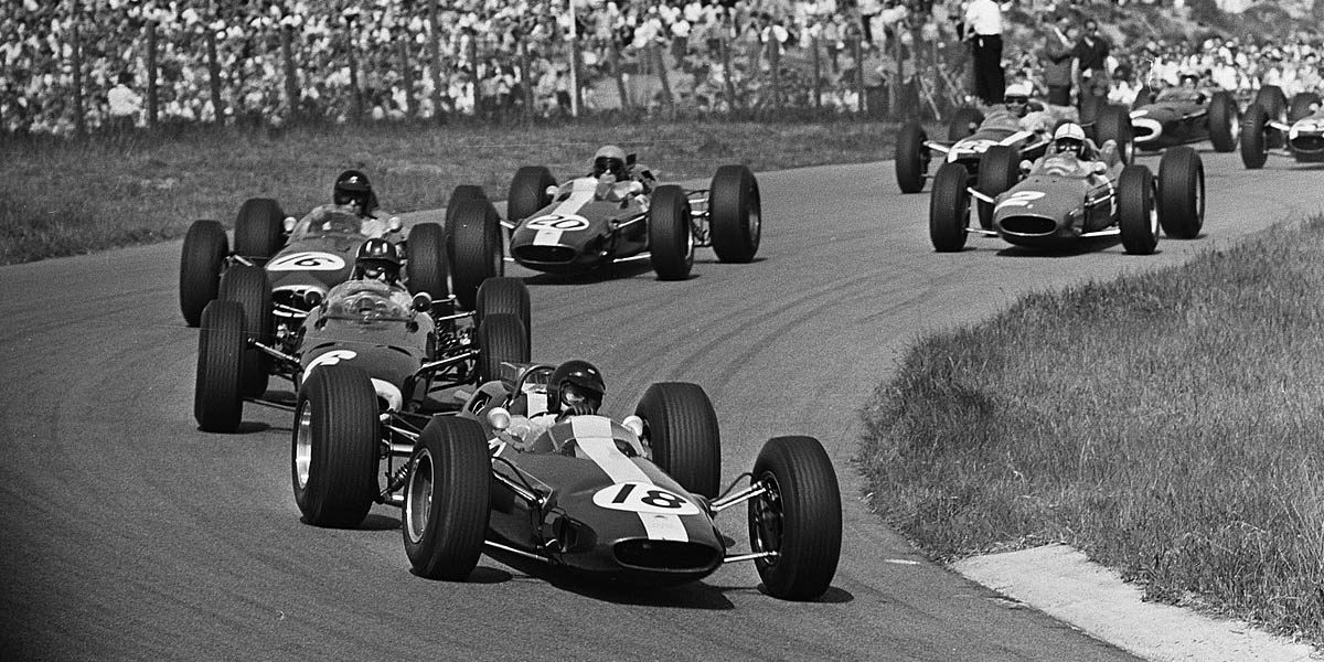 Jim Clark (16) and Peter Arundell (20) drove for Lotus in 1964 both in Formula 1 and the British Touring Car Championship