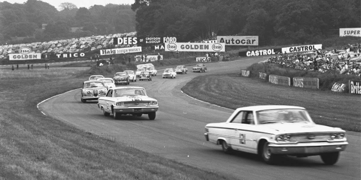 Los enormes Ford Galaxie eran los coches más rápidos en el BSCC a mediados de los años 60